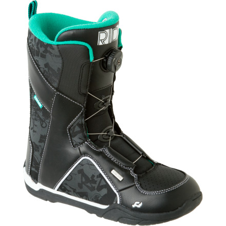 Snowboard Ride keeps it simple with the Ride Spark Boa Snowboard Boot; thanks to its simple one-piece construction and the ultra-easy Boa lace system, your kid's on the mountain and learning his way around faster than ever. - $65.97