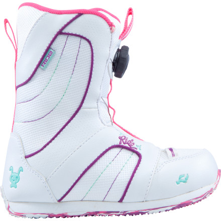 Snowboard From the first turns to the first stroll through the mini-park, the Ride Girls' Sparkle Boa Snowboard Boot provides the comfort and support that enable small feet to shine brightly. Finger-saving Boa Coiler closure and liner-less construction make the Sparkle easy to operate, and internal sizing shims ensure that the sparkle doesn't fizzle out just because of a little growth spurt. - $53.97