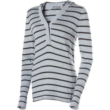 Surf The Rip Curl Women's Cynthia Sweater has an understated style that builds on great tailoring and classic stripes. The look is casual, but the smart shape and designer's attention to detail give this piece serious sophistication. It's a sweater that will be right at home on art strolls and dinners out. - $49.46