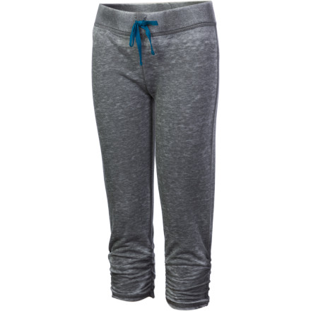 Surf The Roxy Girls' Field Trip Crop Pants give your girl a relaxed, chill look and keep her feeling comfy even when she's racing through her day at full speed. Whether she's rocking a game of tag on the playground or 'helping' you at the grocery store, these cropped pants can keep up with her limitless energy. - $19.00