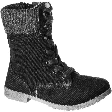 Surf So versatile, it's hard to know where to start. The Roxy Girls' RG Denver Boot boasts rugged good looks, a fine-fitting lace-up design, cozy wool and knit-cuff upper, and lugged sole. It also has a sweet metal heart that your fun-loving starlet will adore. Sugar and spice in the great outdoors. - $32.40