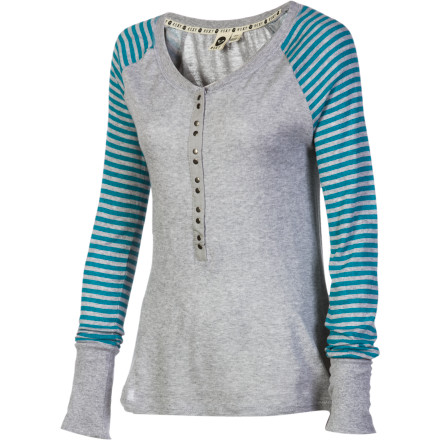 Surf Wear the Roxy Women's Crestview Long-Sleeve Shirt when you're getting your apartment ready for another night of football and hanging out with the gang. - $26.70