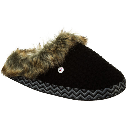 Entertainment Sliding your feet into your Roxy Women's Amaretti Slipper means the stress of the day is over, and all you have to worry about is finishing a few episodes of your fave reality show and making sure there are no cupcakes left by the end of the night. - $20.40