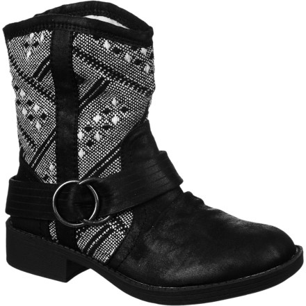 Surf The Roxy Women's Dillon Boots pulls your whole outfit together with its weathered faux suede fabric, textile shaft, and cool-looking buckle. Its raised heel give you added height, while its above-ankle shaft keeps snow out and showcases your skinny-fit jeans. - $47.40