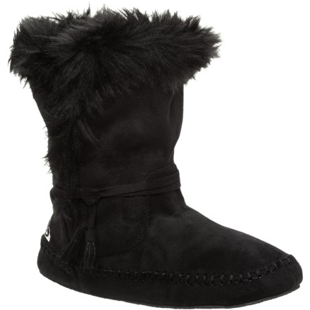 Entertainment When the sun melts the snow from the sidewalks, slip your feet into the Roxy Women's Praline Boots. These cozy boots offer comfort, warmth, and style while you enjoy a nice walk to the coffee shop. - $32.40