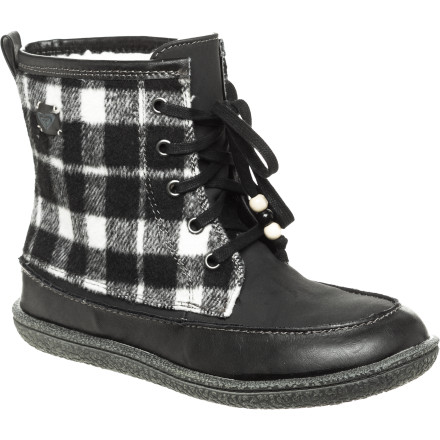 Entertainment Slide your feet into a pair of the Roxy Women's Canoe Boots and enjoy its comfort, warmth, and support while you walk the dog or head to the coffee shop in wintery weather. - $44.40