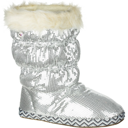 Surf The Roxy Girls' RG Candy Cane Boots smother your feet in comfort and warmth while you explore around the lodge or lounge around the house on frigid winter days. - $23.40