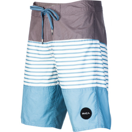 Surf Cool, smooth fabric and non-chafing seams, plus secure closure and zippered pocket so you don't expose or lose valuables, make the RVCA Men's Layer Board Short your new best beach buddy. And with contrasting triple-panel construction, this wingman always makes you look good. - $53.96