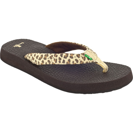 Fitness Look ten kinds of fierce with the Sanuk Yoga Wildlife Sandal's animalistic styling, but feel twenty kinds of comfy with plush yoga-mat footbed. It's kind of like having your yoga mat under your feet all day, without the discomfort of holding that firefly pose. - $25.56