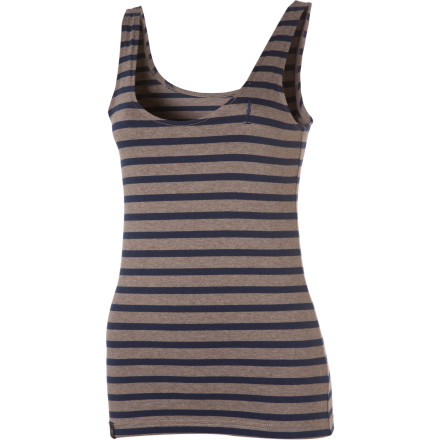 Surf The go-anywhere Sitka Women's Damia Tank Top helps create a look that is hip and edgy or reserved and cool depending on your mood. Wear this top with some short shorts when you want to turn up the heat, or pair it with a blazer and some sexy jeans for a great look that is fine for work. - $23.97