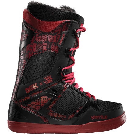 Snowboard ThirtyTwo and DGK teamed up to bring you this limited-edition colorway of the team-favorite TM-Two snowboard boot. You still get the same super light construction, medium-supportive flex, and dialed fit, in a murdered-out black and red color scheme. - $195.97
