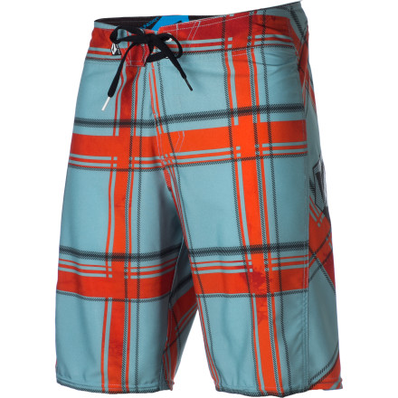 Surf The Volcom Plaiter board short features super-mobile four-way stretch fabricideal for vaulting over fences when Old Man Grumblenuts catches you poaching his hot tub again and comes chasing after you with a sawed-off full of rock salt. - $29.67
