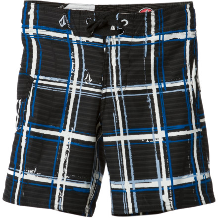 Surf The waves might be small, but they still knock him around like big, salty bullies. With the Volcom Little Boys' Maguro Plaid Board Short, he'll stay comfortable thanks to the adjustable waist that keeps sand out of his business. - $19.22