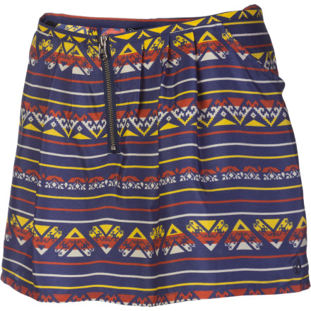 Surf You're thankful you put on the Volcom Women's Peer Pressure Skort this morning, otherwise you would have just shown off your panties to a heck of a lot of people. Of course you were featured on the stadium's jumbo tron screen right as that big gust of wind blew through. - $26.97