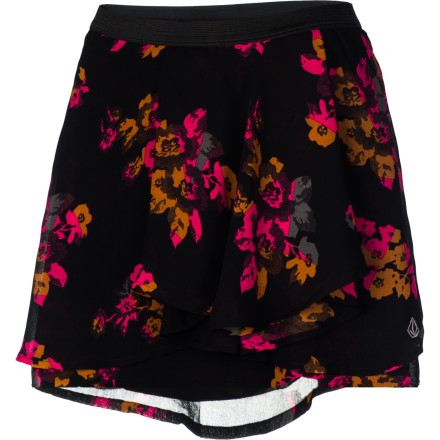 Surf Slip on the Volcom Women's Flowerless Skirt and revel in its lightweight, flowy comfort while you walk to the coffee shop to meet the blind date your best friend insisted on setting up for you. - $27.20