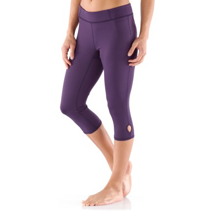Fitness The REI Sariska capris offer light warmth and coverage during yoga practice. Polyester and spandex fabric offers 4-way stretch, moisture-wicking comfort and excellent support. Flat seams enhance comfort. Comfortable elastic waistband features a bit of extra width for yoga poses. Keyhole opening at cuffs offers a touch of style. The active fit of the REI Sariska Capri tights moves effortlessly with the body and won't bind or twist. - $9.83