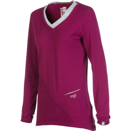 Fitness With your eyes barely open, you pull on the Orage Women's Skeena Long-Sleeve Top, and listen to the mornings avy report. It sounds like another perfect bluebird day with cold temperatures and a settled snowpack. - $22.48