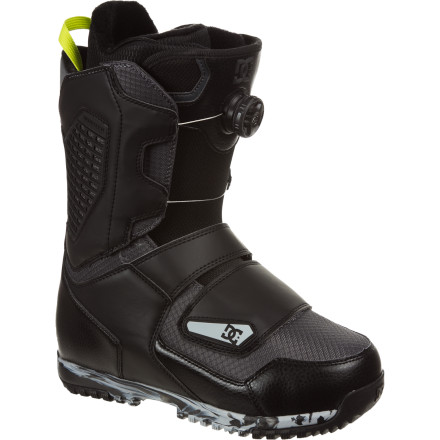 Snowboard Court is in session and you want the DC Judge Boot on your side. A fairly stiff boot built to give you the support you need in the backcountry, the Judge features the Constrictor closure system to provide unmatched heel hold and fit. So whether you're sending booters or charging hairy lines, the Judge will rule in your favor. - $168.00