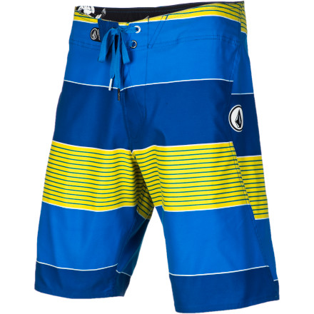 Surf Paddle out to the lineup and be ready to get some serious wave slaying in the Volcom Maguro Stripe Men's Board Short. It has a stretchy, quick-drying fabric that won't hold you back when you're popping up on your board. - $37.09