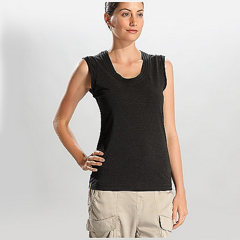 Surf Lole Women's Hug Tank Top DECENT FEATURES of the Lole Women's Hug Tank Top Sleeveless top with crew neck Scooped neckline with raw edge inserts Lenght: 26in. / 66 cm - $34.95