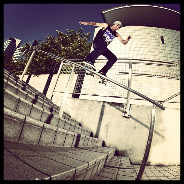 Skateboard KELLY HART ,SWITCH TAIL!!