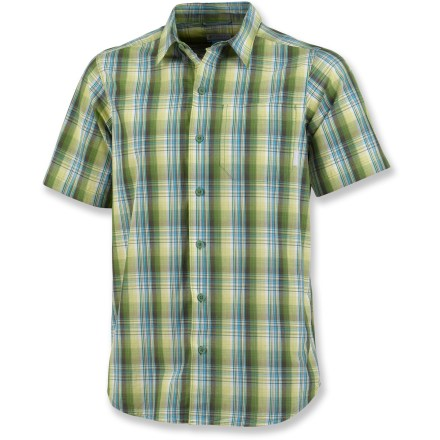When it comes to choosing between style and comfort, the Columbia Sterling Fields shirt makes it easy: you get to choose both. The lightweight cotton knit fabric sports a cool plaid print. Fabric provides UPF 30 sun protection, shielding skin from harmful ultraviolet rays. The Columbia Sterling Fields shirt features a chest pocket. Closeout. - $30.73