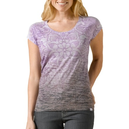 Fitness Look as good as you feel in the prAna Goddess T-shirt. Cotton and polyester blend fabric creates a soft comfortable top that breathes well. The prAna Goddess T-shirt features a rib-knit trim at the neckline. - $37.93