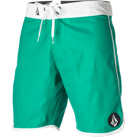 Surf The Volcom City Limits Board Short dishes straight and simple style that carries you through waves and summer alike. What more could you possibly need - $29.67
