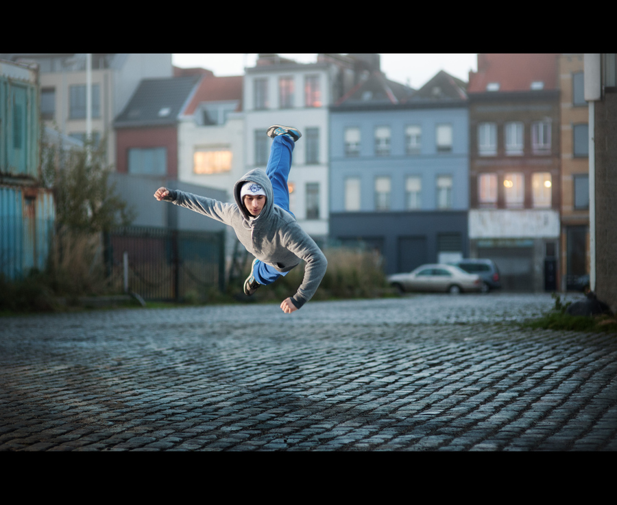Parkour FreeFun, an Antwerp based team of traceur, freerunners and trickers.