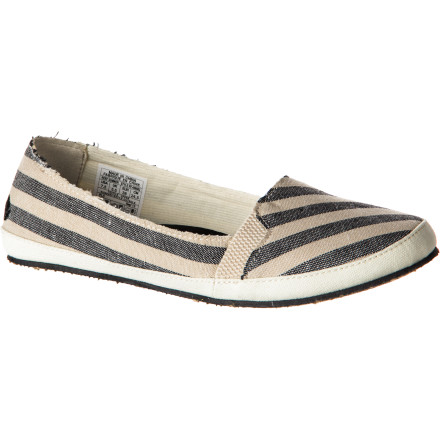 Surf When the occasion or weather doesn't call for sandals, slip on the lightweight and compressible next-best-thing; the Reef Women's Summer Shoes. Head into work, meet friends at a coffee shop, or breeze quickly through airport security with knowing that you don't just feel good, but you look great, too. - $34.93