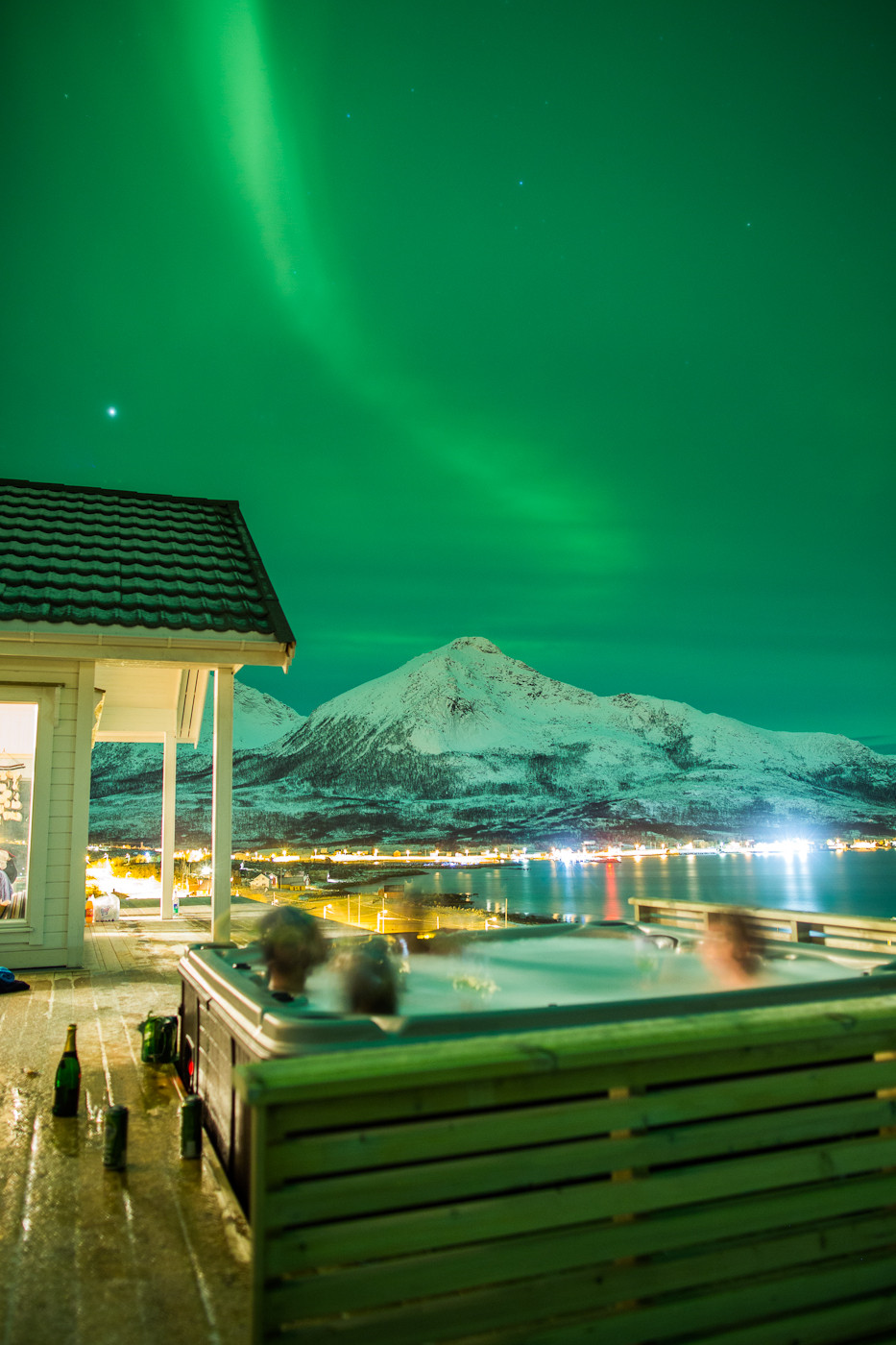 Entertainment Northern Lights. From a hot tub.