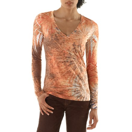 The prAna Burst top looks great, no matter the activity. Cotton and polyester create the perfect balance of natural comfort, easy care and style. - $41.93
