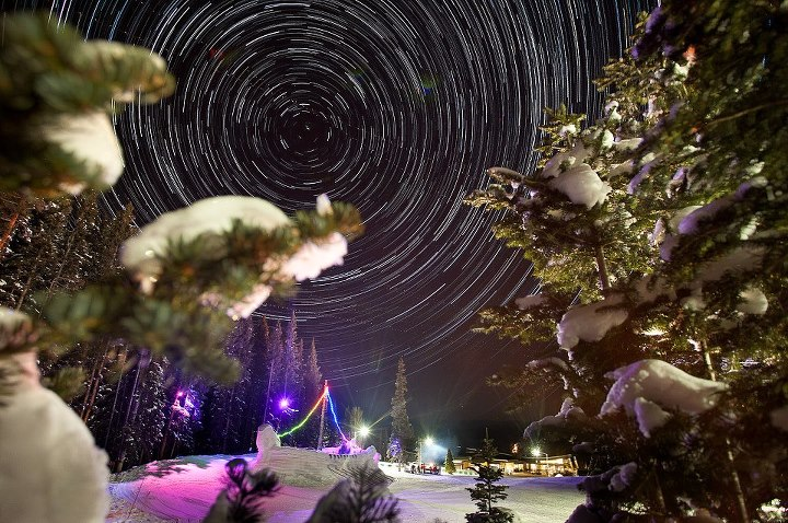 Entertainment Gaze upon the stars and join us for dinner, dancing, drinks and plenty of snowy outdoor activities at Ullr Nights, starting at 5:30 p.m. tonight in Snowmass! http://ow.ly/gKlOJ   Photo by Jeremy Swanson.