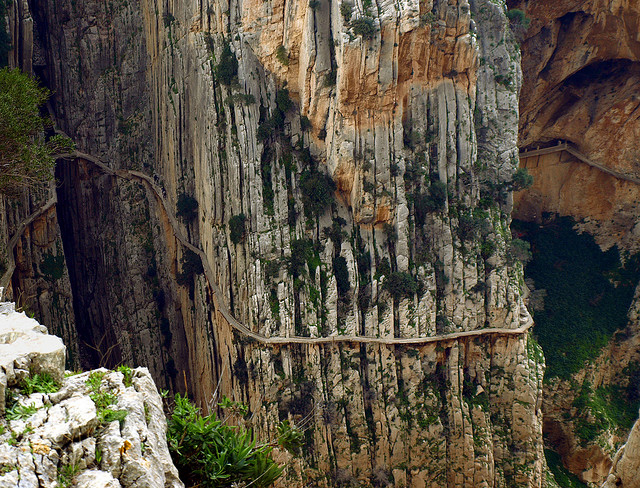 El Caminito del Rey, El Chorro, Spain A very narrow hik... - Thrill On