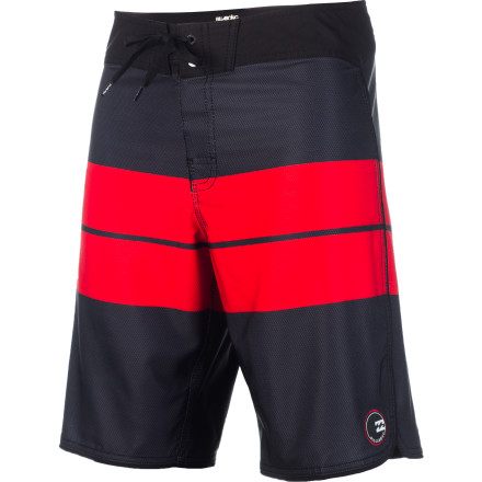 Surf The Billabong Striker Warp Board Short is all about serious wave-riding performance. The four-way mechanical stretch fabric won't bind when you pop up from your paddle, and the slightly shorter 20-inch cut gives you a full range of motion so you can focus on the task at hand. - $43.96
