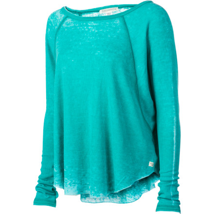 Surf This isn't your grandpa's long underwear. The Billabong Women's Keep It Going Shirt resembles your comfy, raglan-sleeve thermal but throws you a curve with its flouncy fit. And the contrast piecing at the cuffs pumps up the flavor and funk. - $33.53