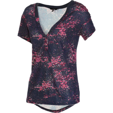 Surf Slip into the Hurley Short-Sleeve Women's Cosmos Shirt when you want to boot the excitement level of your swag. The exciting print and artistic cut can turn a boring outfit into a sleek ensemble that will keep you looking hot whether you're going out on the town or heading for a relaxed dinner. - $17.57