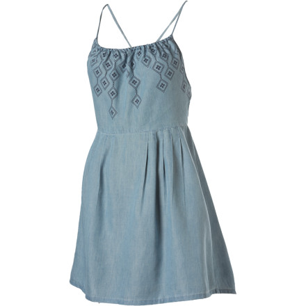 Entertainment The Insight Chambray Bites Dress subscribes to the thought that a casual dress can actually transcend 'casual' and go on to cause traffic accidents. But whether or not you decide to turn the city into your runway, you will love the chambray material and the strappy and open-backed design. - $19.49