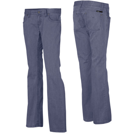 Get back to the denim basics with the low-rise Oakley Women's Freedom Pant. The Oakley Freedom Pants come with the rights for all jean wearers to have a good fit and fashionable style. With a pre-washed look and feel, these denim twill pants fulfill all your basic denim needs so you have the freedom to work, play, and otherwise pursue happiness. - $33.98