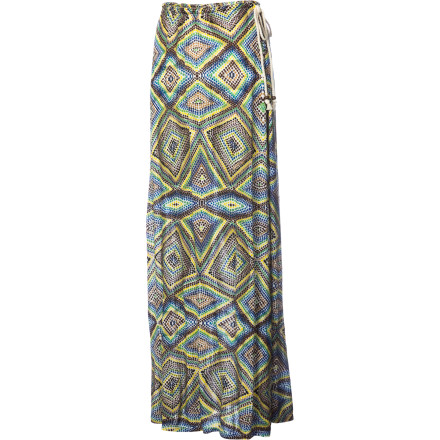 Maxi glamor in an eye-catching print makes crowns you the queen of the shore on the QSW Women's Islet Watercolor Maxi Skirt. In soft, drapey rayon jersey, this skirt feels luxurious, but the casual feel of its natural rope waist tie and beach-appropriate hues make it a go-everywhere gem. - $54.40