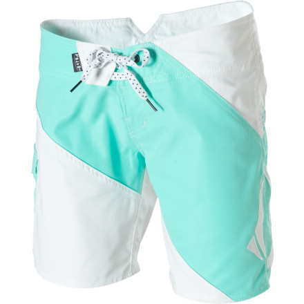 Wake Volcom designed the Women's Foster Gals 7in Board Short for supreme comfort in the waves and out. Their megasuede fabric won't feel waterlogged while you surf, swim, or give your dog a bath in the backyard, and it dries quickly when you take an H20 hiatus. - $11.24