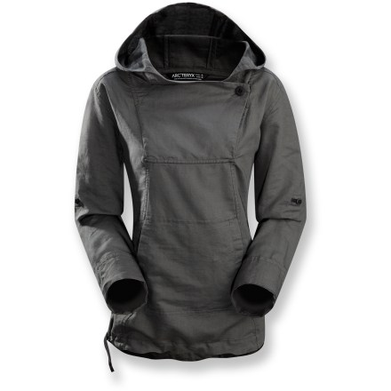Camp and Hike When the sun starts to set on a warm evening, evade the twilight chill with the Arc'teryx C'esta hoodie, a soft blend of natural fabrics that keeps you covered while staying wonderfully breathable. Soft, lightweight cotton/linen blend feels great next to skin. Attached hood with yoke flap and button closure provide options for staying more covered up or letting the breeze cool you down. Kangaroo hand pocket with integrated interior security pocket keeps your hands cozy while storing small essentials. Arc'teryx C'esta hoodie features roll-up sleeves with button tabs, giving you options for varied temperatures and conditions. - $99.00