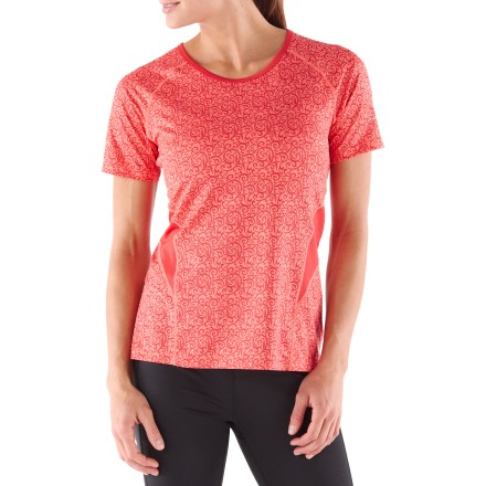 Fitness The quick-drying fabric and flattering fit of the REI Fleet T-shirt are sure to keep you comfortable during tough workouts. Moisture-wicking fabric dries fast so you won't feel chilled when a breeze kicks up. Fabric provides UPF 50+ protection from harmful solar rays. Mesh inserts along back and upper ribs enhance ventilation. Reflective details increase visibility in low light. Flatlock seams reduce chafing and dropped rear hem increases coverage. The women's REI Fleet T-shirt offers an active fit that moves with you during workouts. - $19.93