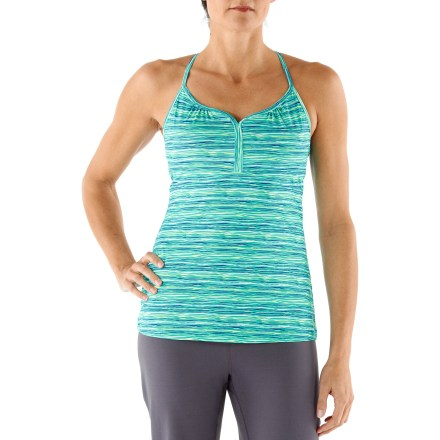 Fitness The REI Sariska tank top offers excellent coverage for yoga, spin class and the gym- and you'll look darn cute while you're there. Very soft polyester and spandex blend ensures moisture-wicking comfort with a touch of stretch that dries in 3.5 hrs. Fabric provides UPF 50+ sun protection, shielding skin from harmful ultraviolet rays. Internal shelf bra offers light support and includes molded, removable bra cups to enhance support and fit. Mesh bra lining enhances comfort and moisture control. Fabric gathering at center front adds a touch of feminine style. The REI Sariska tank top offers an active fit that moves effortlessly with the body and won't bind or twist. - $9.83