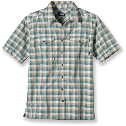 Light on the body and soft on the skin, the Patagonia Switchgrass shirt is the perfect top for urban explorations. Made of lightweight organic cotton woven into a leno weave. Patch pockets with flap closures hold your daily essentials. Straight hem with side splits looks great left untucked. The Patagonia Switchgrass shirt has a regular fit. - $49.93