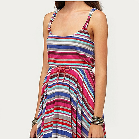 Surf On Sale. Roxy Women's Rose Blushes Dress DECENT FEATURES of the Roxy Women's Rose Blushes Dress 100% Cotton Knit printed dress with easticated waist and twisted rope drawcord detail 33in. Hps - $32.99
