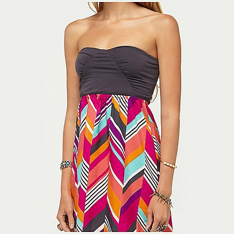 "Surf On Sale. Roxy Women's Savage 2 Dress DECENT FEATURES of the Roxy Women's Savage 2 Dress Printed poly faille skirt and knit bodice 32"" hps 100% Poly faille - $28.99"