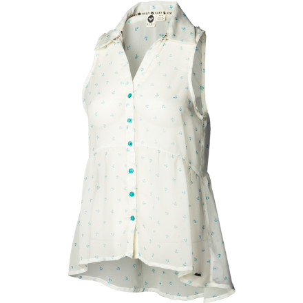 Surf The Roxy Women's Spring Up Shirt easily goes from day-wear to night-wear when you simply change from your flats into heels. This sheer collared top pairs well with skinny jeans for a chic, upscale appearance. - $28.93