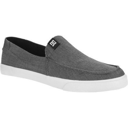 Skateboard The DC Men's Villain V TXH Shoes amplify your look as easily as they slip onto your land-flippers. - $29.25