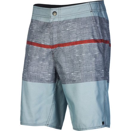 Surf The quick-drying hybrid Quiksilver Cruzcash Board Short is equally at home slashing waves in the ocean or throwing back beverages during a summer BBQ with the crew. - $34.65